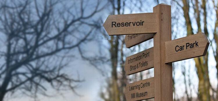 Finger Posts & <br />Wooden Sign Posts